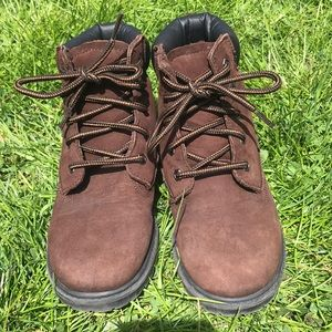 Boy's Size 1.5 Sperry Topsider hiking boots